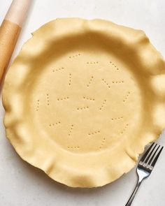 This is the easiest no-sweat pie crust for your summer berry pies.t flaky piecrust Pie Crust Recipes, Pie Crusts, Quiche Recipes, Pastry Recipes, Bread Recipes, How To Make Pie, Berry Pie, Butter Pie, Gourmet