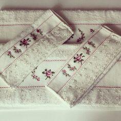 Gullu beyaz dantelli havlu - Satınalmak için rustikdekorasyon@gmail.com a mail atabilir ya da gittigidiyor daki mağazamızı ziyaret edebilirsiniz. http://dukkanlar.gittigidiyor.com/RUSTIK_DEKORASYON/HAVLULAR/