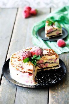Strawberry waffle ice cream cake Erdbeer-Waffel Eistorte