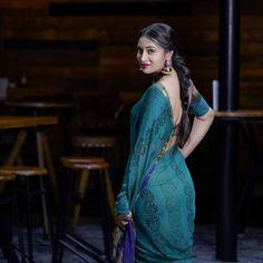 Beautiful Girl Photo, Beautiful Girl Indian, Beautiful Saree, Beautiful Indian Actress, Beautiful Dresses, Beautiful Women, Indian Bridal Couture, Indian Bridesmaid Dresses, Desi Girl Image