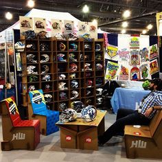 Trade Show Displays - chairigami cardboard furniture Cardboard Design, Cardboard Display, Craft Show Displays, Display Ideas, Diy Craft Projects, Project Ideas, Karton Design, Retail Trends, Trade Show Booth Design