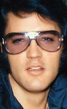{*Gorgeous Pic Ov Elvis*}