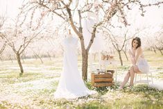 Shoots don't come much prettier that this spring almond blossom session by Ivo & Vanessa from Momento Cativo. Based in Portugal this talented team have put together some stunning inspiration in amongst the most gorgeous almond tree orchard! I'll let … C