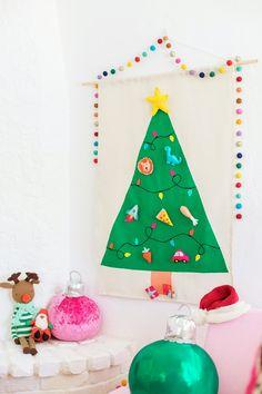 Quality Sewing Tutorials: Felt Christmas Tree Wall Hanging tutorial from Studio DIY Diy Felt Christmas Tree, Felt Christmas Decorations, Family Christmas, Christmas Colors, Homemade Christmas, Christmas Holiday, Xmas, Christmas Ornaments, Felt Tree