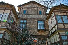 Świdermajer Otwock Family History, Poland, Cities, Cabin, House Styles, Home Decor, Homemade Home Decor, Cabins, City