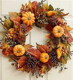 Jesenný veniec na dvere na 45 spôsobov. Ktorý by ste si vybrali vy? - sikovnik.sk Thanksgiving Home Decorations, Thanksgiving Wreaths, Fall Home Decor, Autumn Home, Fall Decorations, Decoration Party, Easy Fall Wreaths, Diy Fall Wreath, Summer Wreath