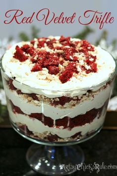 Red Velvet Trifle (a recipe for the holidays) BEST dessert! So easy, love this Red Velvet Trifle! Trifle Cake, Trifle Desserts, Oreo Dessert, Mini Desserts, Delicious Desserts, Yummy Food, Dessert Trifles, Cheesecake Trifle, Brownie Trifle