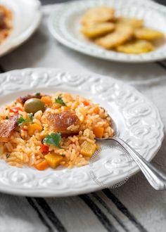 Receta Locrio de Chicharrón de Cerdo | Pocos dominicanos no han probado este rico y jugoso arroz, es un plato para disfrutar en ocasiones especiales.