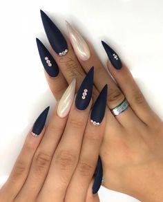 30 cool and trendy stiletto nail art designs; Bling style… 30 cool and trendy stiletto nail art Dark Nails, Matte Nails, Long Nails, Matte Gold, Short Nails, Polish Nails, Oval Nails, Navy Acrylic Nails, Acrylic Nails For Fall