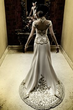white kebaya - by Anne Avantie !! OmG my future wedding dress!!
