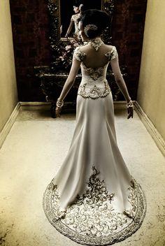white kebaya - by Anne Avantie !! OmG my future wedding dress!!