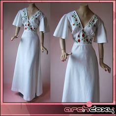 Vintage 1970s Backless White Angel Sleeves Embroidered Plunge Neck Maxi Dress #vintage #mod  http://www.ebay.co.uk/itm/Vintage-1970s-Backless-White-Angel-Sleeves-Embroidered-Plunge-Neck-Maxi-Dress-12-/371598851254