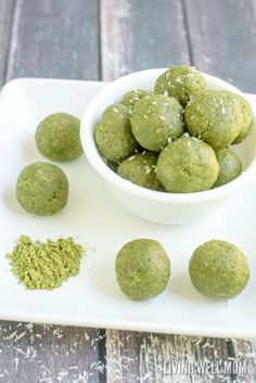A delicious blend of green tea and coconut, these Matcha Green Tea Energy Bites are a perfect way to perk you up any time of the day! Plus, this recipe requires less than 5 minutes to make! It&#821…