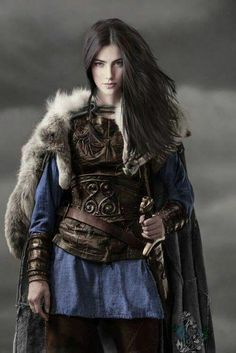 Amazing WTF Facts: High-Ranking Viking Warrior Long Assumed to Be Male Was Actually Female Warrior Girl, Fantasy Warrior, Warrior Princess, Viking Warrior Woman, Warrior Women, Warrior Fashion, Warrior Clothing, Viking Queen, Viking Clothing
