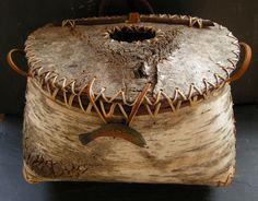 Next artist, mark catman, birch bark basket maker & instrument builder Tree Bark Crafts, Birch Bark Crafts, Pine Cone Crafts, Willow Weaving, Basket Weaving, Birch Bark Baskets, Tree Drawing Simple, Twig Furniture, Bamboo Art