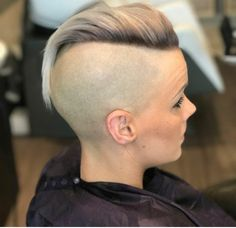 There is Somthing special about women with Short hair styles. I'm a big fan of Pixie cuts and buzzed cuts. Enjoy the many different styles. Shaved Undercut, Shaved Nape, Shaved Sides, Shaved Head, Girl Short Hair, Short Hair Cuts, Short Hair Styles, Pixie Cuts, Undercut Hairstyles Women