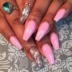 ✨ #dcnails #dmvnails #dcstylist #dcnailtech #dmvnailtech #nails #nailart #naildesigns #nailfashion #glitternails #pinkchampagne #glitter_heaven_australia #encapsulated #hudabeauty #thenaillife #bgdn #notd #pinknails #ballerinanails #coffinnails