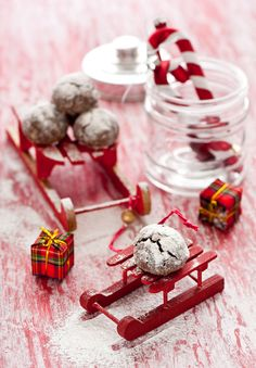 This would be good with the hot chocolate in the other pin...love these cocoa drop cookies!