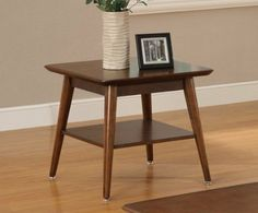 Classic END TABLE F06119 by HP. $159.99