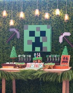 S minecraft birthday party carlos birthday 7 декор Mine Craft Party, Minecraft Party Decorations, Diy Birthday Decorations, Minecraft Birthday Party, Cars Birthday Parties, Birthday Games, Minecraft Bedroom Decor, Minecraft House Designs, Birthday Table