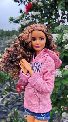 This is Carly Miller.She is my Cousin and loves to play video games and ride horses.I would like to say I'm her fav cousin. Barbie Style, Barbie Model, Barbie Toys, Barbie Life, Barbie Dream, Vintage Barbie Dolls, Barbie World, Barbies Dolls, Barbie And Ken