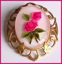 Vintage Reverse Carved Pink Roses Flower Glass Gold Metal CAMEO