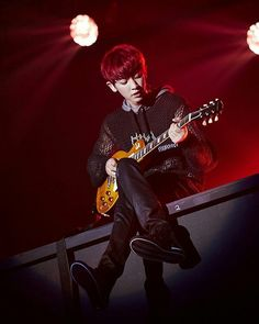 Chanyeol playing guitar is hot af