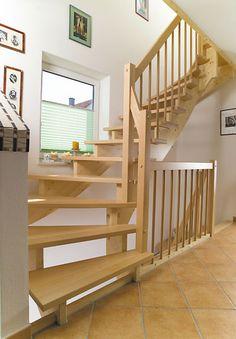 Warum eine Massivholztreppe?  Die Massivholztreppen von Güta lassen sich durch die Wahl der Holzart vom Treppengeländer oder der Stufen, individuell anpassen.  http://gueta-treppen.de/massivholztreppen.html