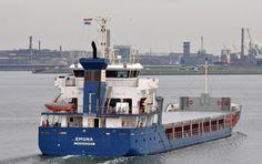 Bestemming Amsterdam  5 oktober 2015 te IJmuiden onderweg naar de Middensluis  http://koopvaardij.blogspot.nl/2015/10/bestemming-amsterdam_6.html