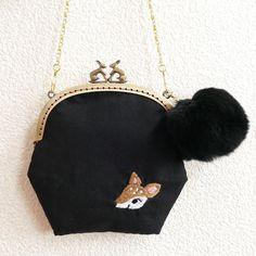 発送しました 刺しゅうのショルダーがま口 バンビ #pinkoi #pinkoinews #taiwan #embroidery #purse #bambi #deer #furpompom #pandafactory #刺繍 #がま口 #バンビ #ポンポン #ファー