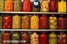 PICKLE YOUR FAVE SUMMER VEGGIES. Now that your garden is over flowing, don't waste good food. Our grandmothers preserved food over the winter by canning beans, tomatoes, pickles or peaches from an organic garden. Home Canning, Canning 101, Pressure Canning, Dehydrated Food, Fermented Foods, Preserving Food, Canning Recipes, Dose, Olives