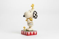 Beloved by generations, comic strip characters Charlie Brown, Lucy, Snoopy & the rest of the Peanuts gang come to life in a new collection interpreted by award-winning artist and sculptor, Jim Shore. Perfect for #MothersDay, Valentine's Day or birthdays all year round, Snoopy give a big hug to his little flock of feathered friends.#MothersLove