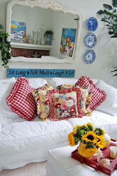 Cheerful Country #Cottage look - love the red check!