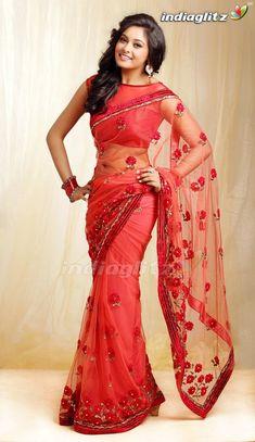 Trendy Sarees, Stylish Sarees, Indian Beauty Saree, Indian Sarees, Indian Dresses, Indian Outfits, Saree Hairstyles, Wedding Saree Collection, Saree Photoshoot