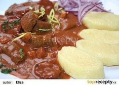 Goulash of Hungarian Count - Guláš uherského grófa recept - TopRecepty. Top Recipes, Beef Recipes, Cooking Recipes, Czech Recipes, Ethnic Recipes, Modern Food, Easy Cooking, Main Meals, Stir Fry
