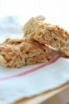 Ritz Krispie Treats from www.laurenslatest.com Recipes Appetizers And Snacks, Candy Recipes, Easy Snacks, Yummy Snacks, Snack Recipes, Dessert Recipes, Desserts, Cookie Recipes, Savory Snacks