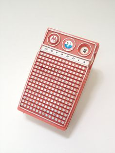 1950's motorola 6T handheld AM radio