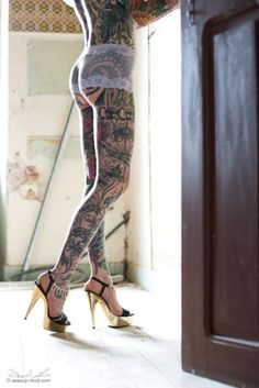 The most beautiful picture of a tattoed girl (beside the shoes)