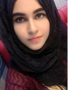 Beautiful Muslim Women, Beautiful Hijab, Beautiful Eyes, Simply Beautiful, Hijabi Girl, Girl Hijab, Hijab Fashion, Fashion Beauty, Hijab Dpz