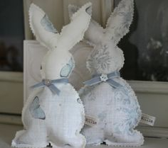 An adorable bunny with a lavender and wheat mix tummy. Bunnies make a wonderful nursery decoration or look just as cute on a shelf in a room of your choice.The bunnies are made with Peony Handmade Design, Cute Bunny, Soft Furnishings, Easter Crafts, Decor Crafts, Nursery Decor, Sewing Projects, Spring Decorations, Peony