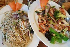 Sojabohnensprossen und Gemüse mit gebratenen Garnelen #fitfam #fitness #foodblogger #eatclean #eat #healthychoices #healthy #gesund #fitfood #weightloss #abnehmen #instafood #lowcarb #lc #lchf #keto by foodisartisfood