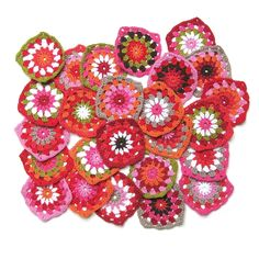Granny square with circle Crochet Squares, Crochet Granny, Granny Squares, Crochet Pillow, Crochet Blankets, Lace Knitting, Textile Art, Handicraft, Dots