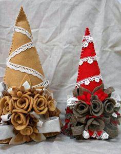 Albero con rosr in feltro | Decorazioni natalizie | Pinterest | Feltro