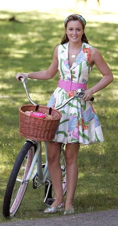 One of my fave Blair Waldorf outfits. I've wanted this Alice + Olivia dress forever.