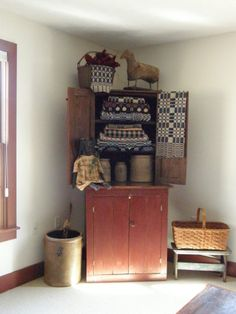 A Primitive Place ~ Primitive & Colonial Inspired Bedrooms