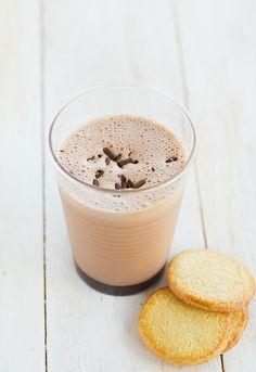 Batido helado de chocolate casero!    http://www.unodedos.com/recetario-de-cocina/batido-de-chocolate-casero-batido-de-helado-de-chocolate/