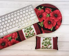 Items similar to Poppies mouse pad, wrist rest, and keyboard set - floral mousepad coworker gift boss gift gift for her girlfriend gift office mate gift on Etsy Gifts For Your Girlfriend, Gifts For Boss, Gifts For Coworkers, Love Gifts, Gifts For Her, School Gifts, Student Gifts, Lavender Buds, Ideias Diy