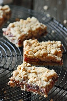 Dried Apple and Raspberry Oat Bars Recipe Raspberry Oatmeal Bars, Raspberry Cookies, Dessert Bars, Dessert Recipes, Desserts, Dried Raspberries, Cookie Brownie Bars, Dried Apples, Oat Bars