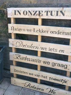 Voorzie steigerhout van teksten met lettersjablonen http://www.wonderwerkplaats.nl/alfabet-sjabloon
