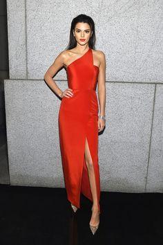 Kendall Jenner en Romona Keveza | Galería de fotos 51 de 51 | VOGUE